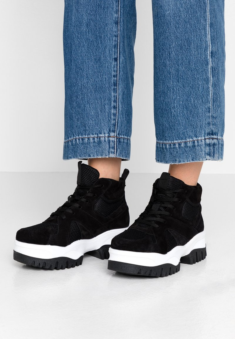 Bianco - BIACOLLEEN CHUNKY HIGHTOP - Ankle boots - black