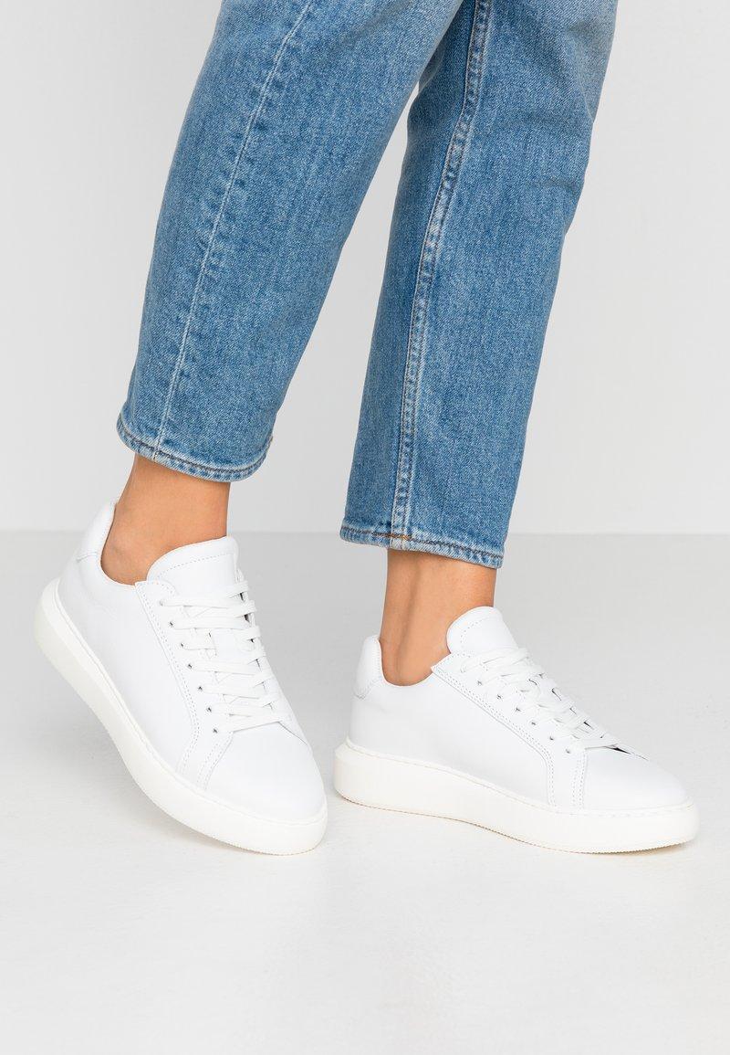 Bianco - BIAKING CLEAN - Trainers - white