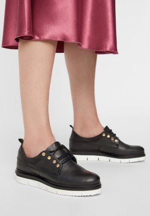 CHUNKY - Casual lace-ups - black