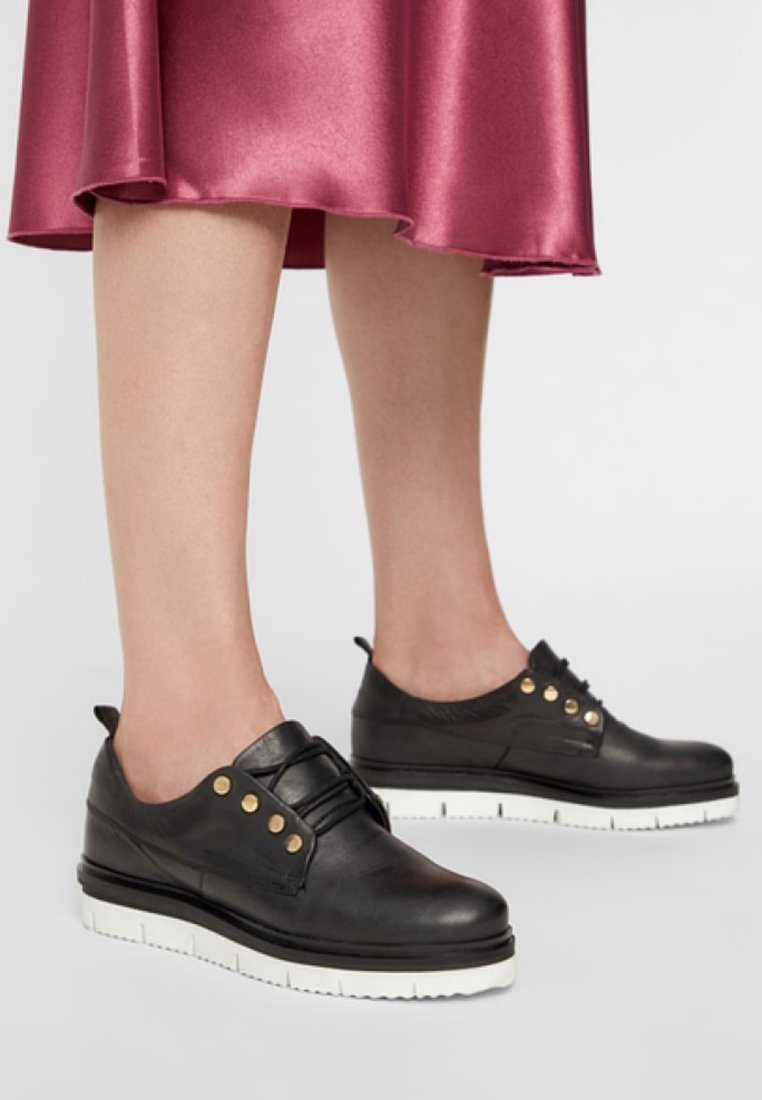 Bianco - CHUNKY - Casual lace-ups - black