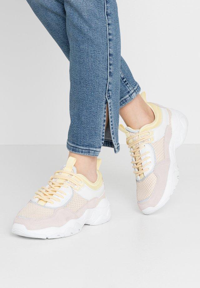 BIADACIA ASYMETRIC - Sneakers - beige