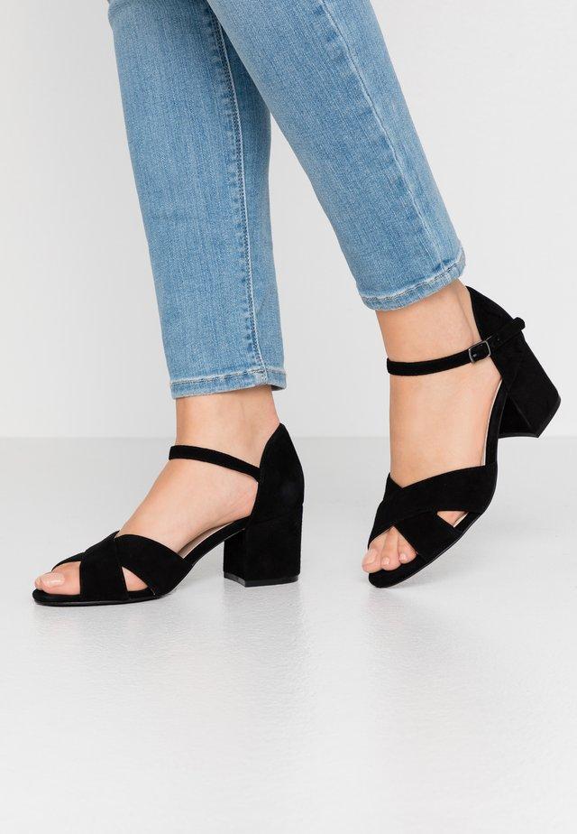 BIACATE CROSS  - Sandaalit nilkkaremmillä - black