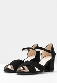 Bianco - BIACATE CROSS  - Sandaalit nilkkaremmillä - black - 4