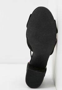 Bianco - BIACATE CROSS  - Sandaalit nilkkaremmillä - black - 6