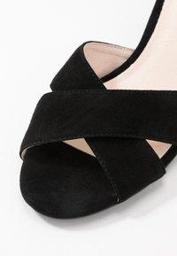 Bianco - BIACATE CROSS  - Sandaalit nilkkaremmillä - black - 2