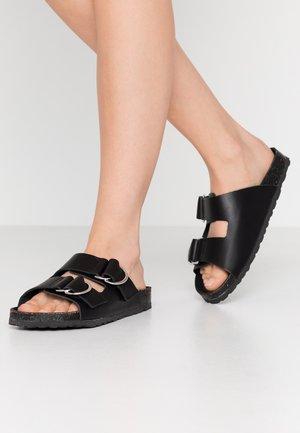 BIABETRICIA  - Domácí obuv - black
