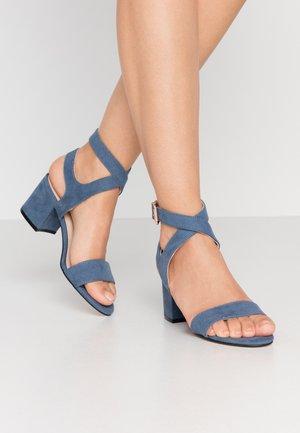 BIACATE WRAP ANKLE - Sandaalit nilkkaremmillä - light blue