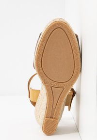 Bianco - BIADARA TOP UP - Espadryle - light brown - 6
