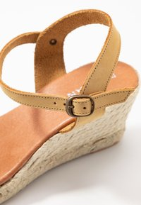 Bianco - BIADARA TOP UP - Espadryle - light brown - 2