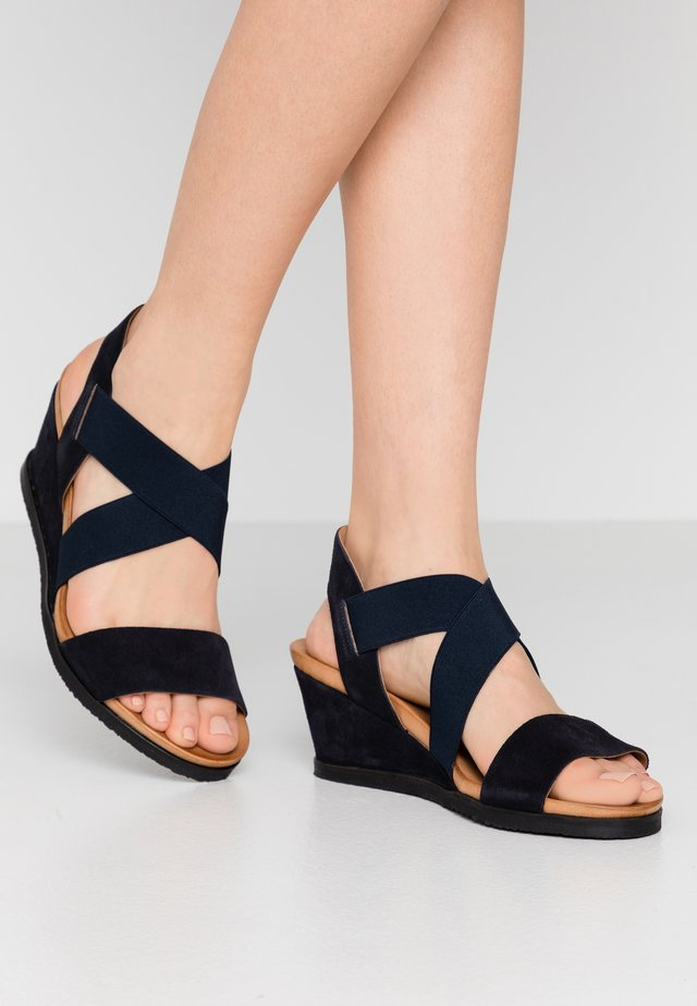 BIACAILY CROSS  - Wedge sandals - navy blue