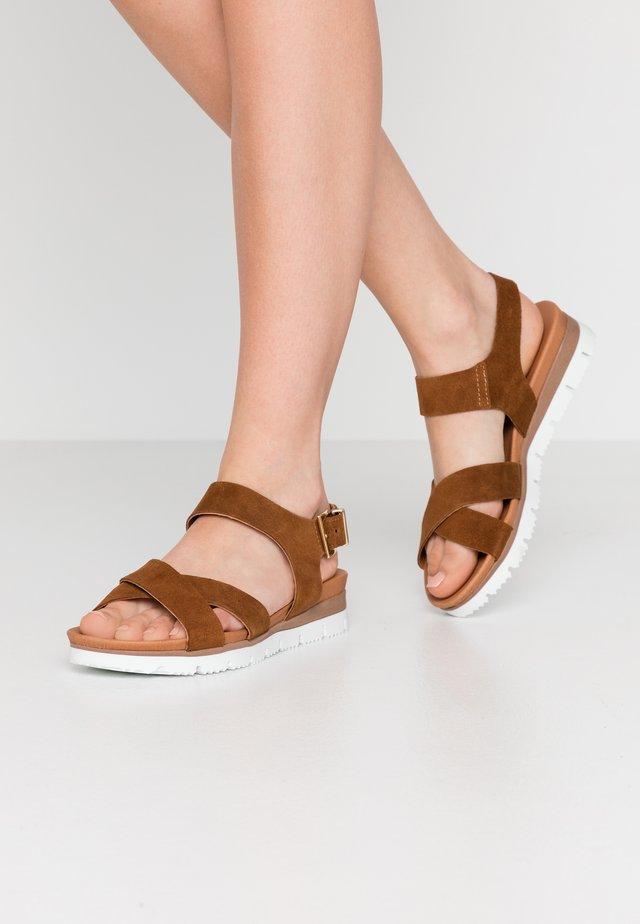 BIADEBRA SUEDE SANDAL - Sandals - cognac