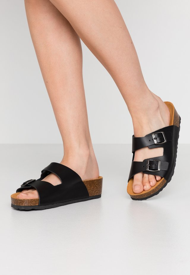 BIABETTY WEDGE BUCKLE - Tofflor & inneskor - black