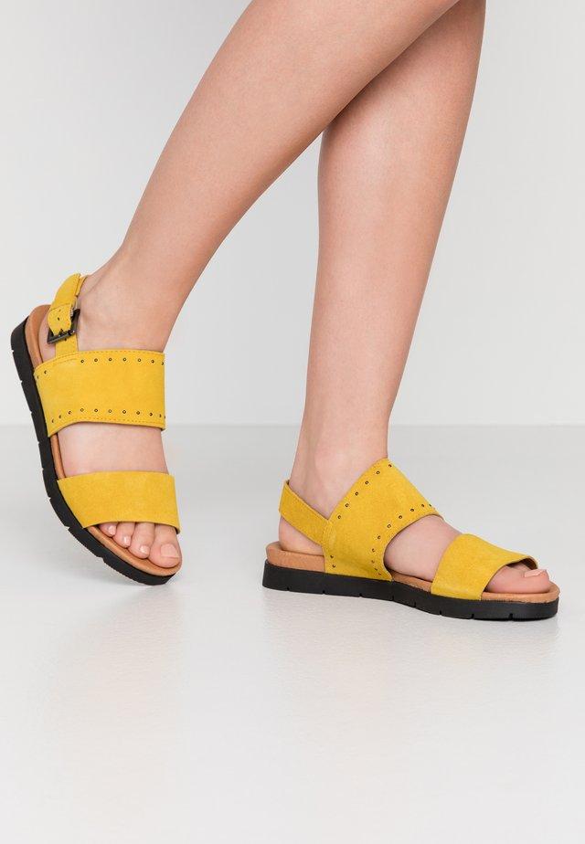 BIASTORY - Sandaalit nilkkaremmillä - yellow