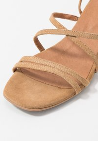 Bianco - BIADEA STRAP  - Sandály - light brown - 2