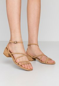 Bianco - BIADEA STRAP  - Sandály - light brown - 0