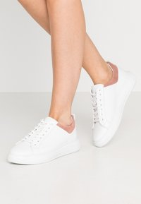Bianco - BIADAVA  - Sneakersy niskie - rose - 0