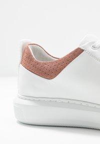 Bianco - BIADAVA  - Sneakersy niskie - rose - 2
