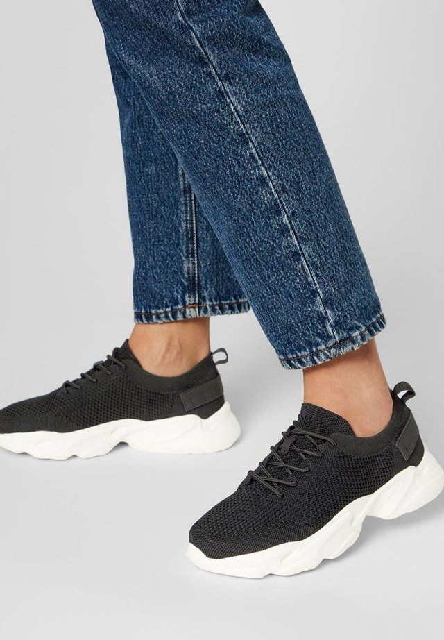 STRICKSTOFF - Sneakersy niskie - black