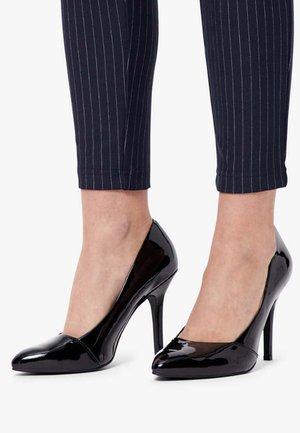 LOAFER - Zapatos altos - black