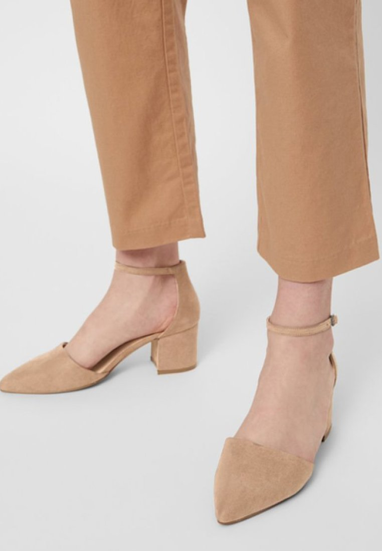 Bianco - BFDIVIVED  - Classic heels - nougat