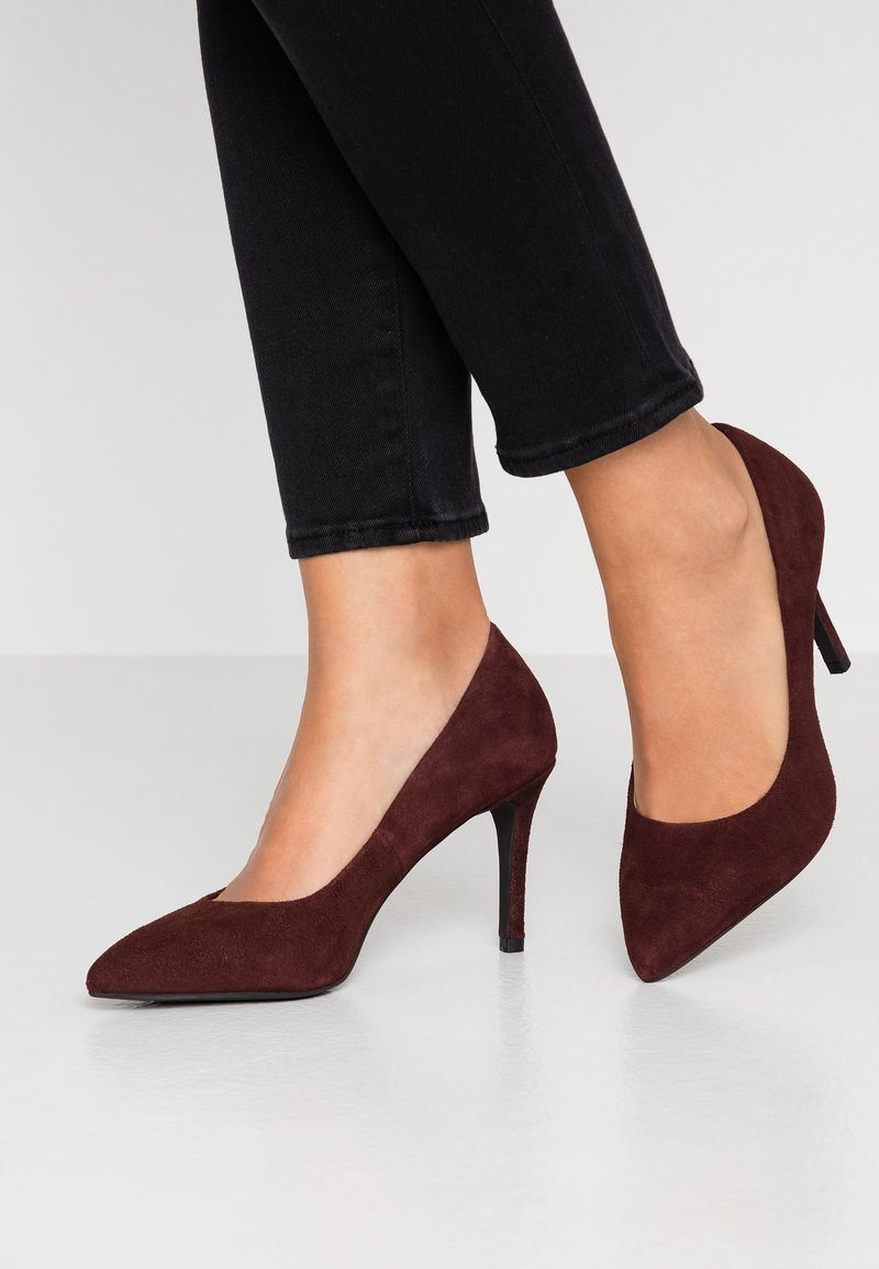 Bianco - BIACAIT BASIC - Højhælede pumps - burgundy