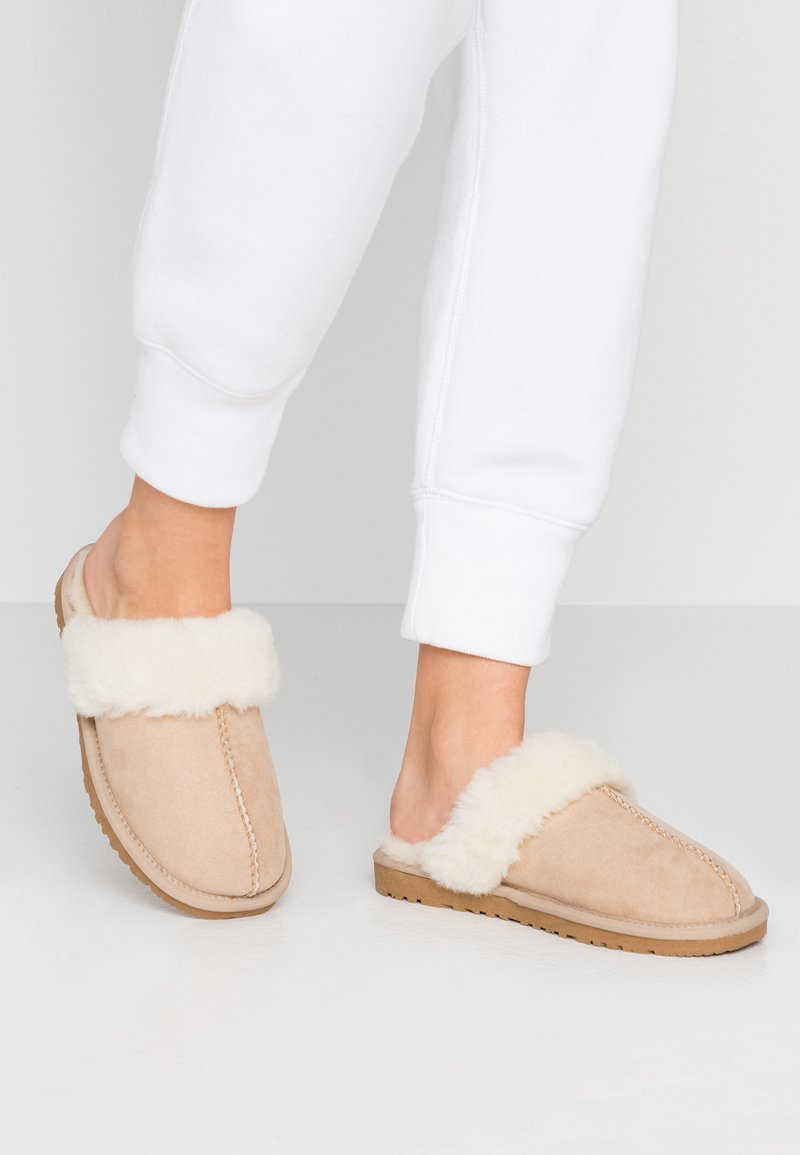 Bianco - SWEETIE HOMESLIPPER - Chaussons - sand