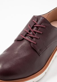 Bianco - BIABITA DERBY LACED UP SHOE - Veterschoenen - burgundy - 2