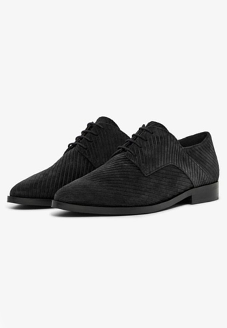 Bianco Biabrenda - Derbies Black