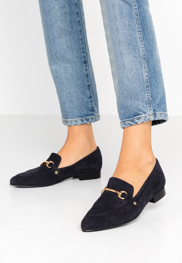 BIABRENDA LOAFER - Slip-ons - navy blue