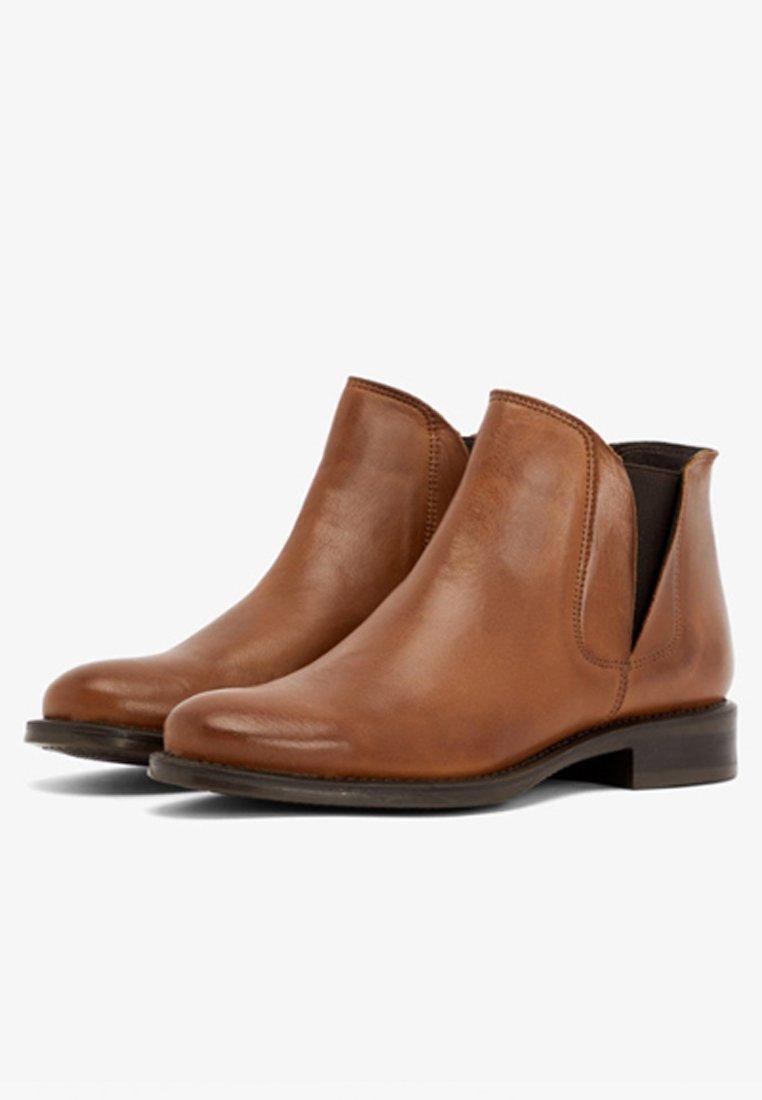 Bianco Boots à talons cognac