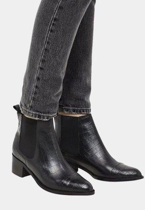Croco Chelsea - Støvletter - black