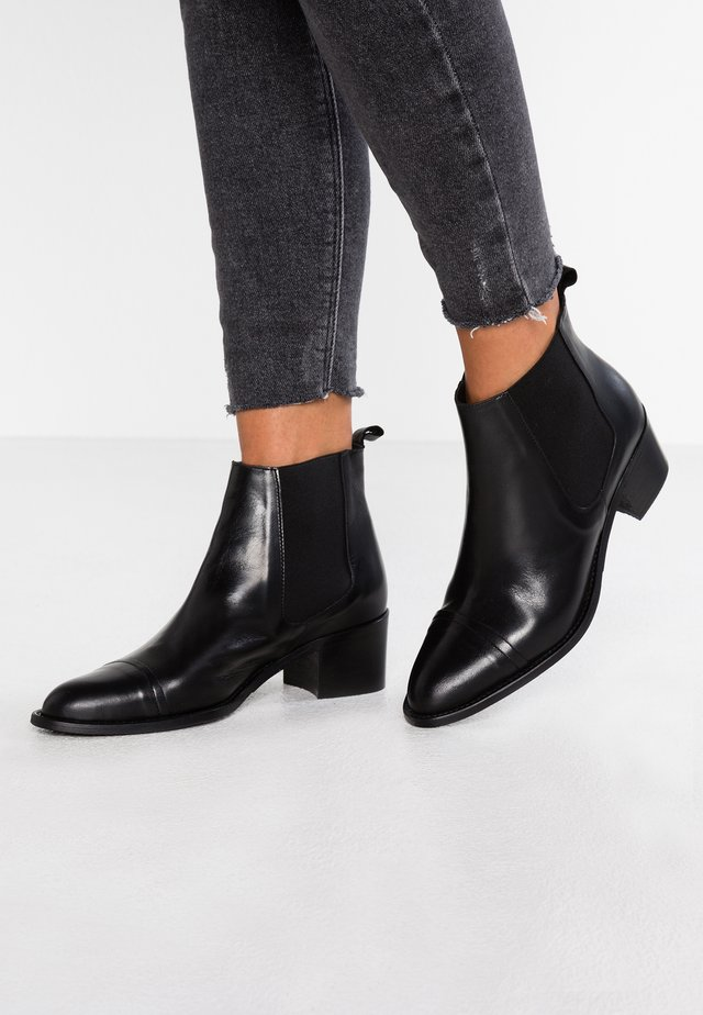 BIACAROL DRESS CHELSEA - Boots à talons - black
