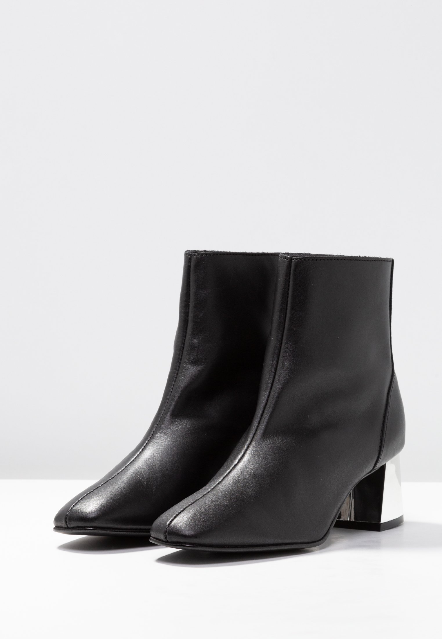 BootBottines Bianco Black Flaired Dress n0mw8OvN