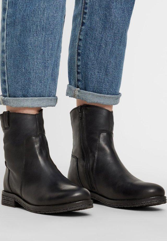 ATALIA - Kotníkové boty - black