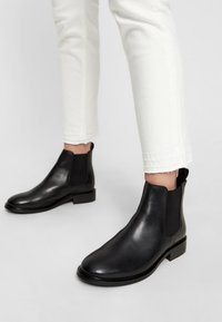 Bianco - JESSICA - Classic ankle boots - black - 0