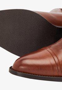 Bianco - Classic ankle boots - cognac - 5