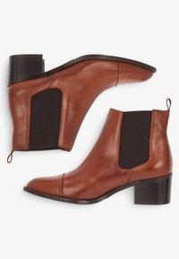Bianco - Classic ankle boots - cognac - 4