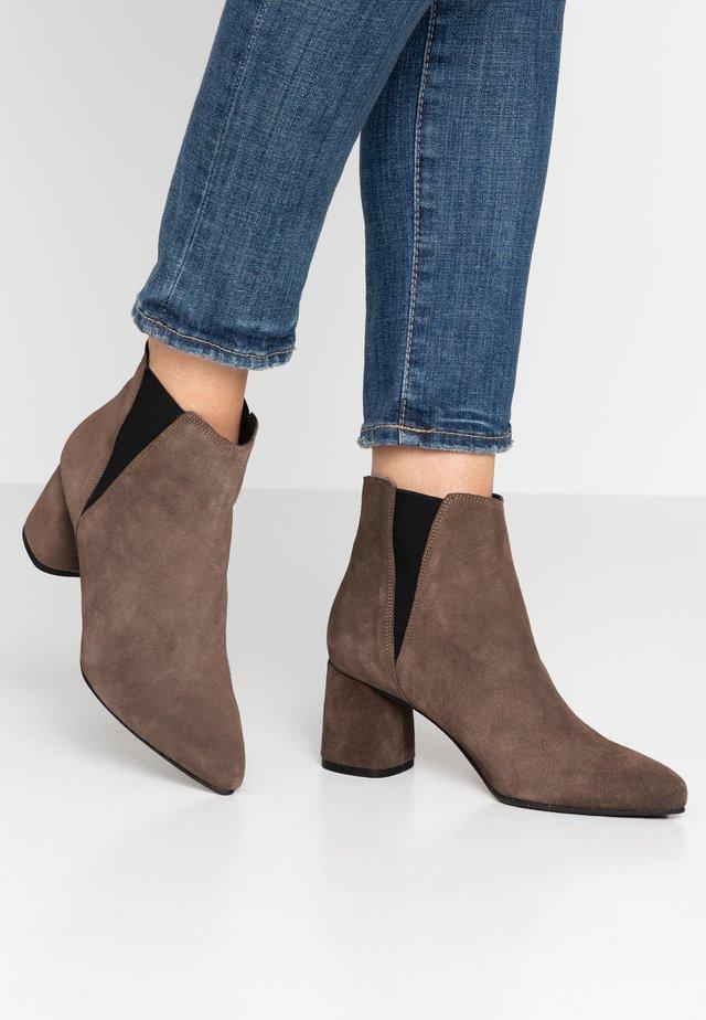 BIACHERISE - Ankle boot - stone
