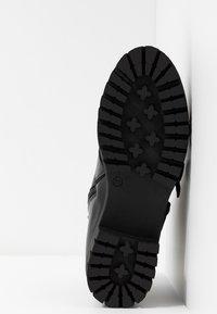 Bianco - BIACECILE TRIPLE BUCKLE BOOT - Cowboy/biker ankle boot - black - 6