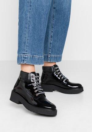 BIACASS WORK - Kotníková obuv - black