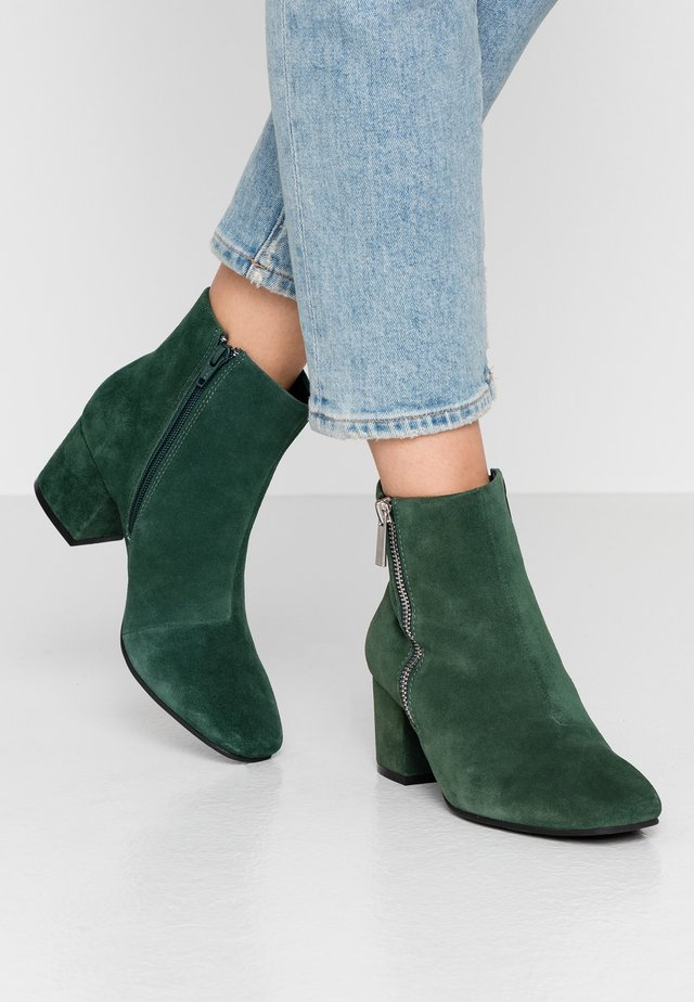 BIACEIL ZIP - Ankle boot - green