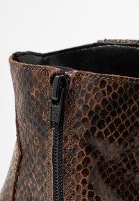 Bianco - BIADIRA SNAKE WESTERN BOOT - Ankle boots - dark brown - 3
