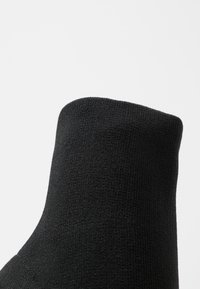 Bianco - BIAELLIE BOOT - Classic ankle boots - black - 2