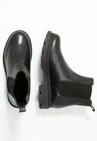 Bianco - BIACYAN CHELSEA BOOT - Classic ankle boots - black - 3