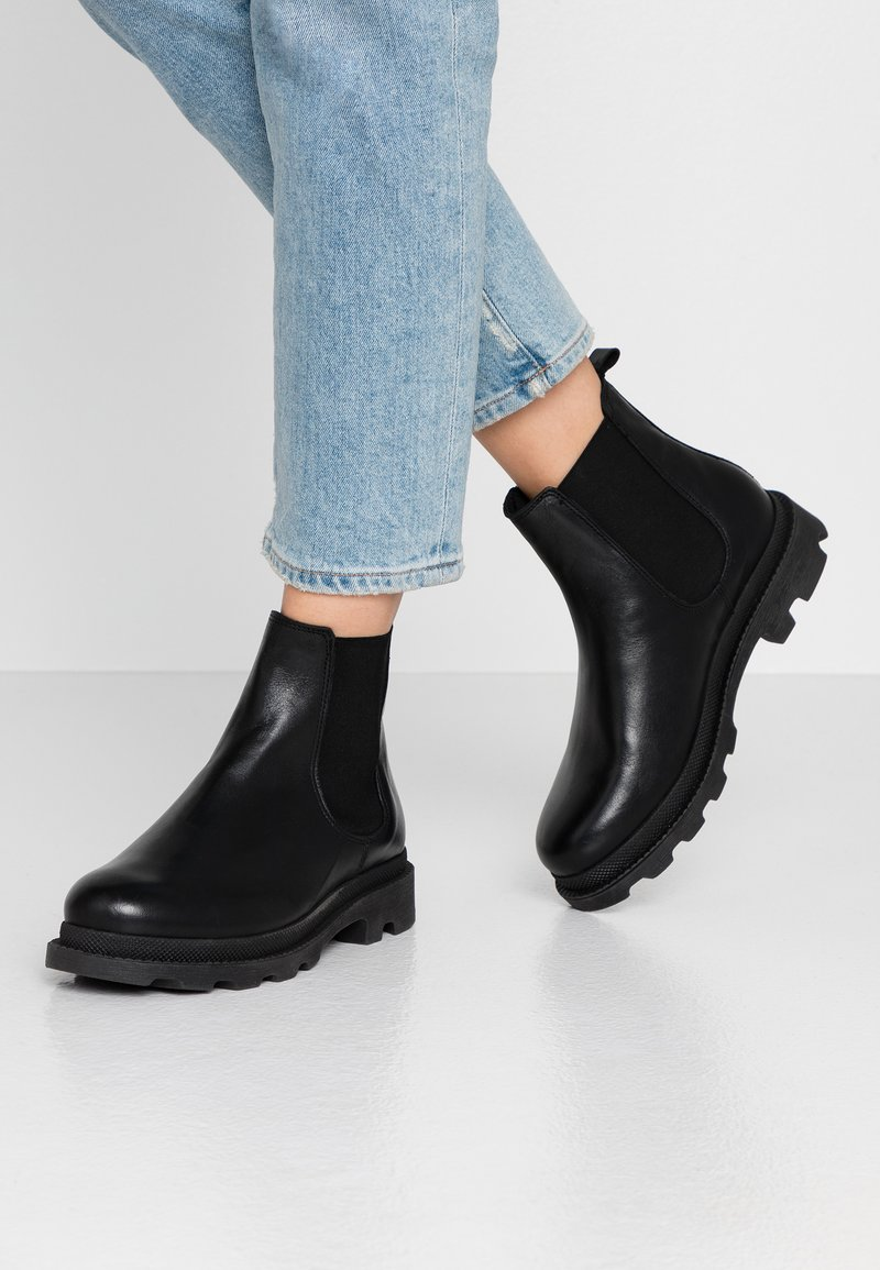 Bianco - BIACYAN CHELSEA BOOT - Classic ankle boots - black