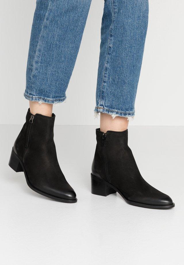 BIACAROL ZIP - Korte laarzen - black