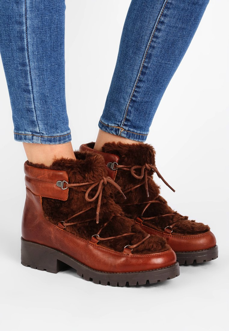 Bianco - LACED UP BOOT - Winter boots - cognac