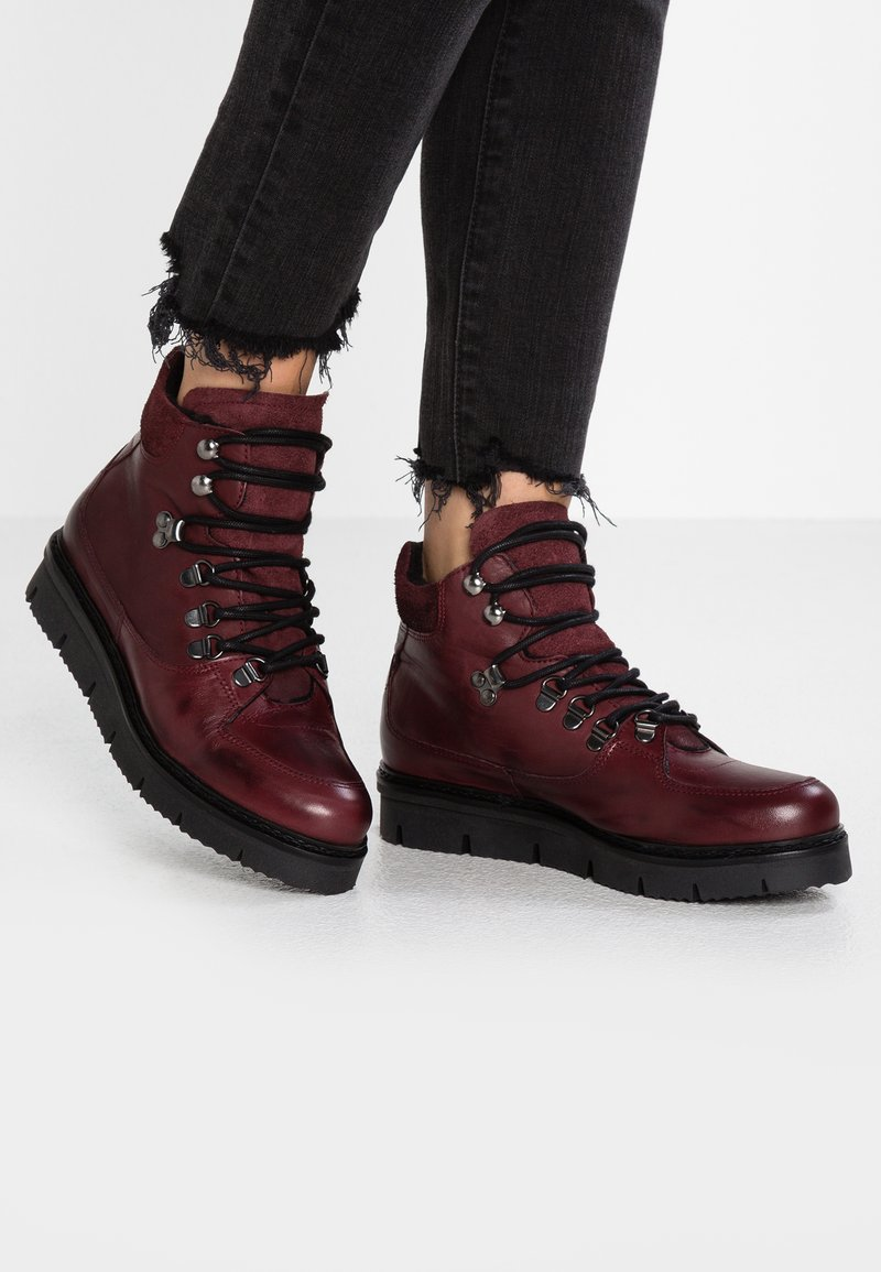Bianco - WARM HIKING - Winter boots - burgundy