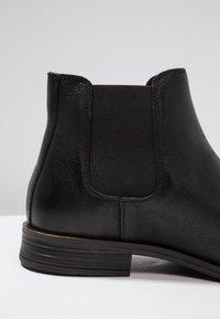 Bianco - BANDOLERO CHELSEA  - Classic ankle boots - black - 5