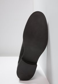 Bianco - BANDOLERO CHELSEA  - Classic ankle boots - black - 4